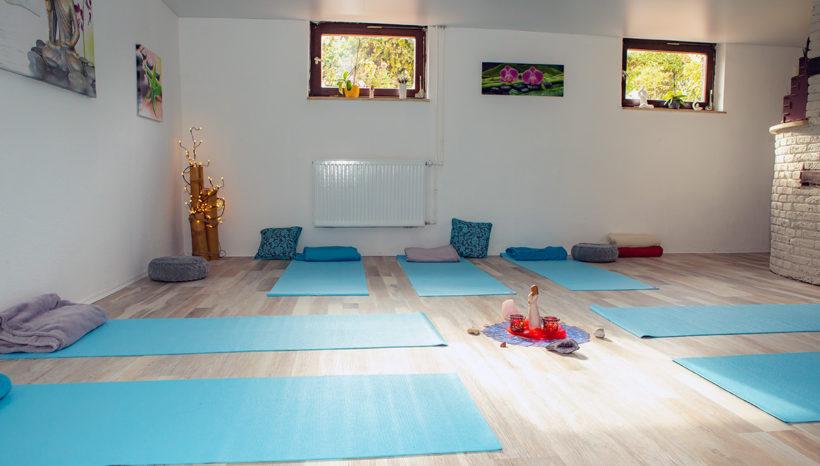 Yoga für Erwachsene - Blick ins Yoga-Studio